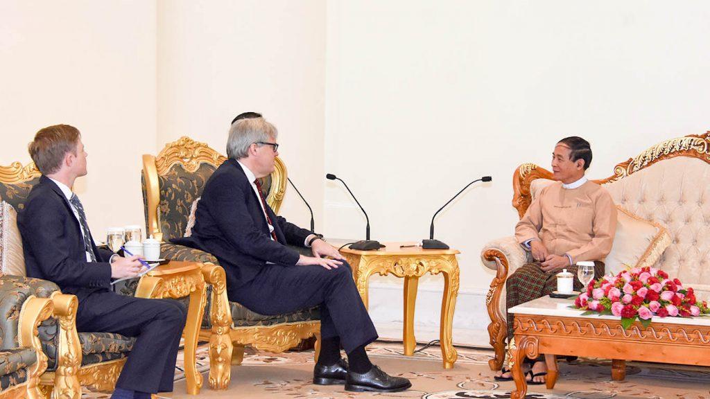 President U Win Myint meeting with outgoing British Ambassador Mr. Andrew Patrick. Photo: MNA