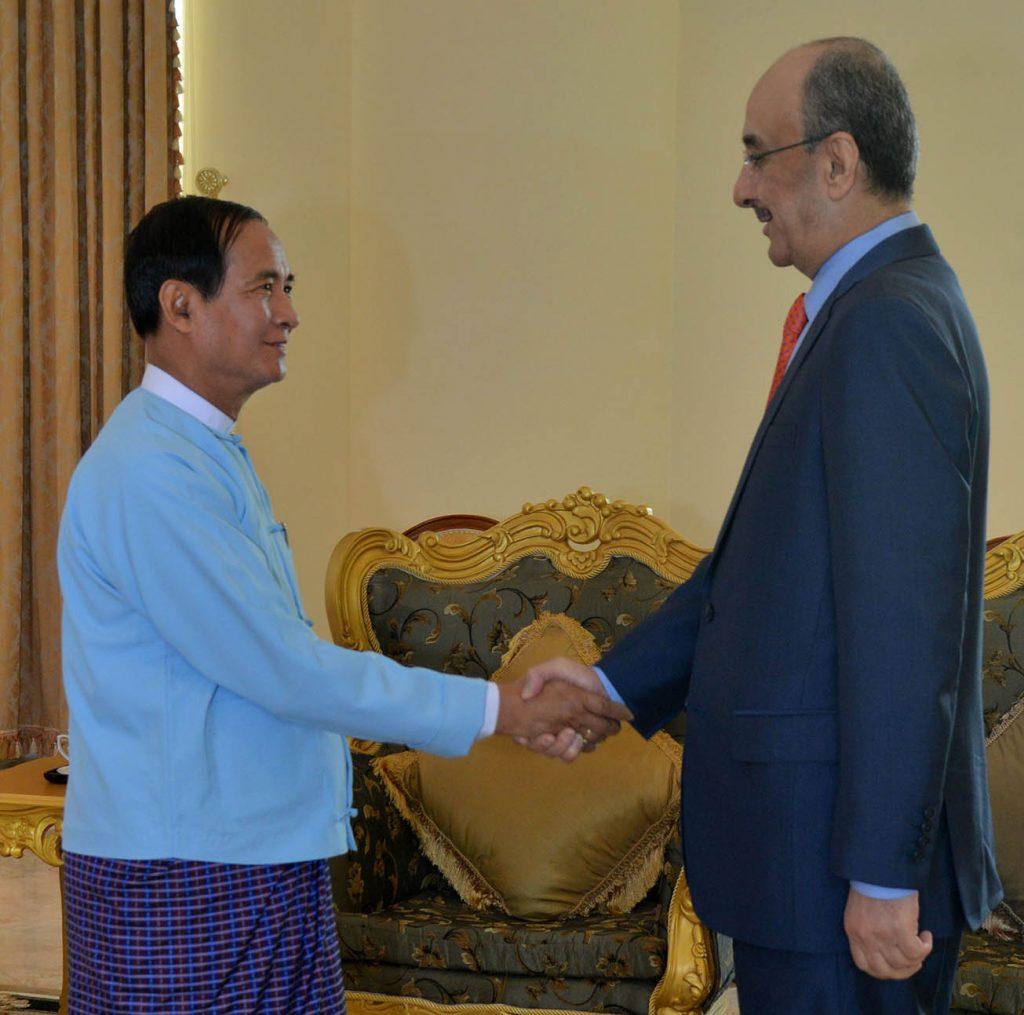 President U Win Myint greets outgoing Qatari Ambassador to Myanmar Mr. Hassan Bin Mohamed Rafei AL-Emadi.Photo: MNA