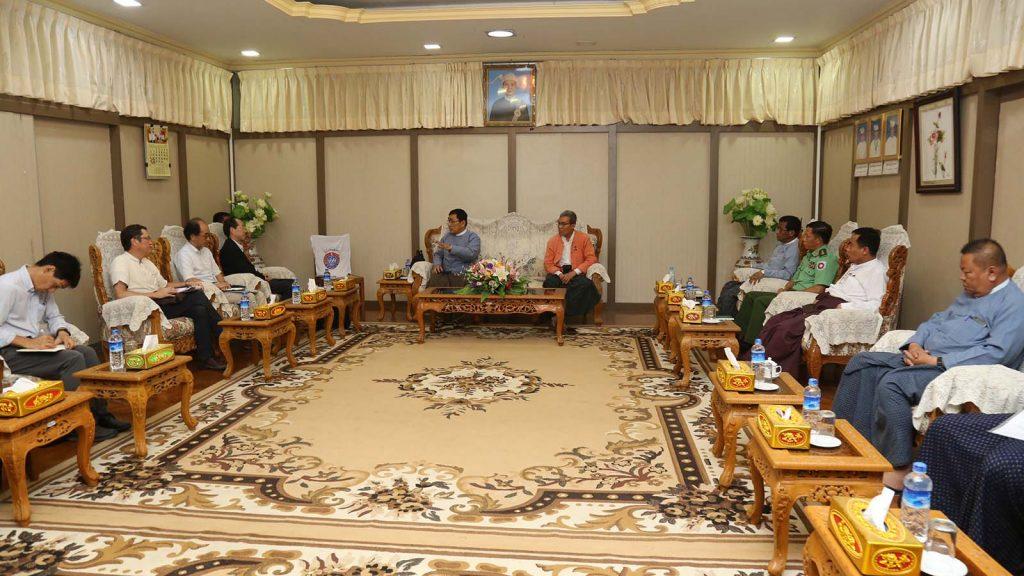 Union Minister Dr Win Myat Aye and Rakhine State Chief Minister U Nyi Pu hold talks with Japanese Ambassador Mr. Ichiro Maruyama in Rakhine yesterday.Photo: MNA