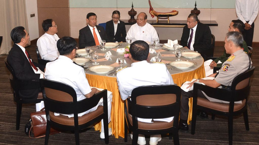 Indonesian Coordinating Minister Dr. H. Wiranto and his delegation attend a working lunch hosted by Union Minister U Thaung Tun in Nay Pyi Taw yesterday.Photo: MNA