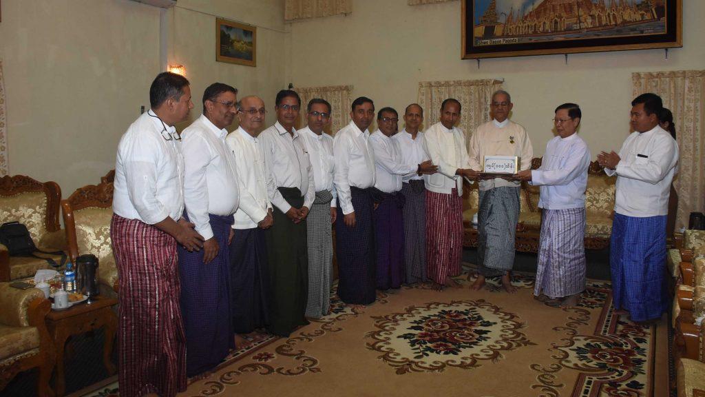 All Myanmar Gurkha Hindu Federation donates Ks 10.1 million for Eternal Peace Pagoda located in Nay Pyi Taw. Photo: MNA