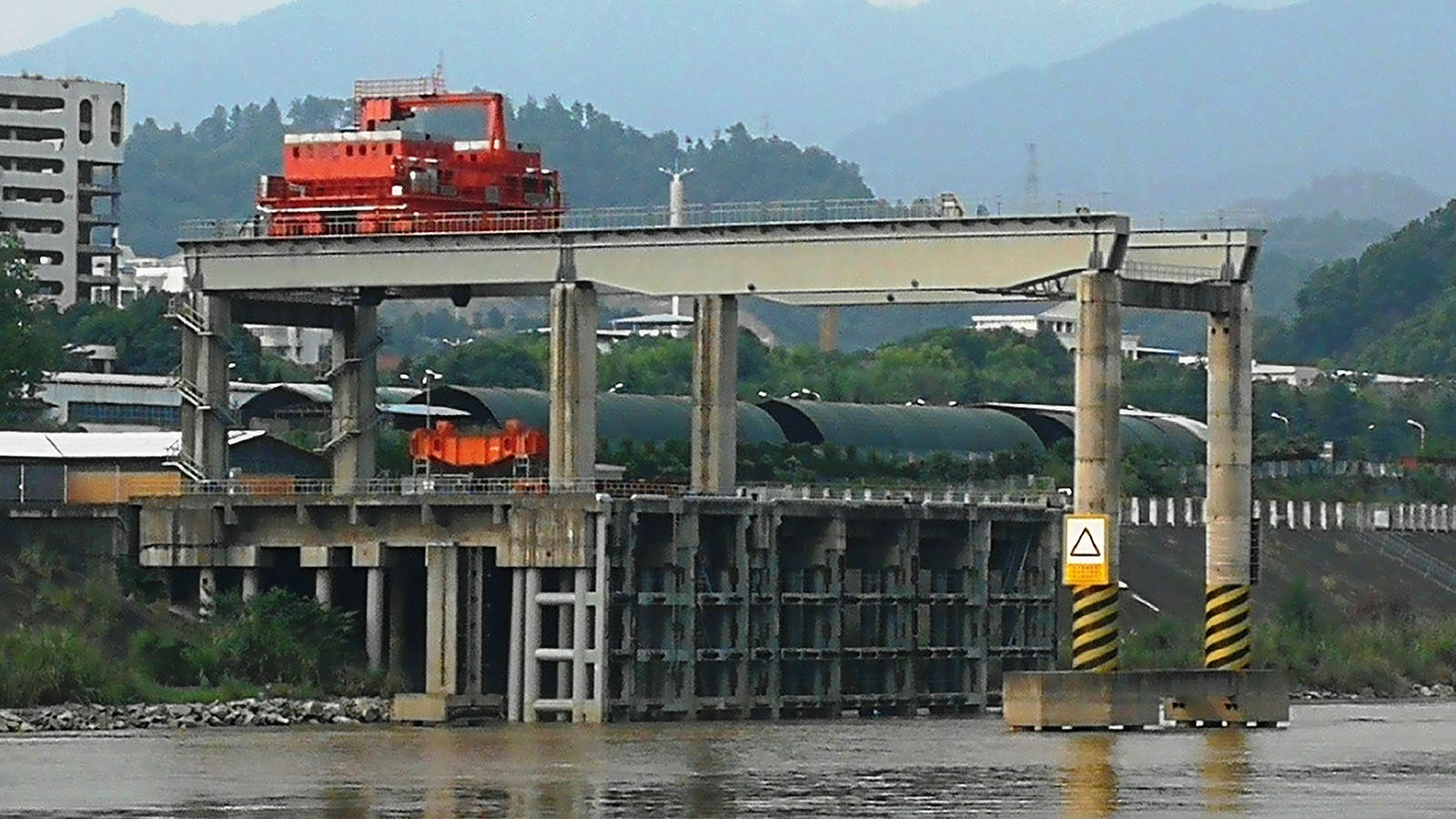 Three Gorges hydropower station near Yichang Town. Photo: MNA