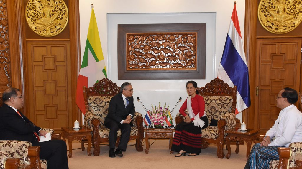 State Counsellor Daw Aung San Suu Kyi (right) holds talk with Thai Foreign Minister Mr. Don Pramudwinai.  Photo: Myanmar News Agency