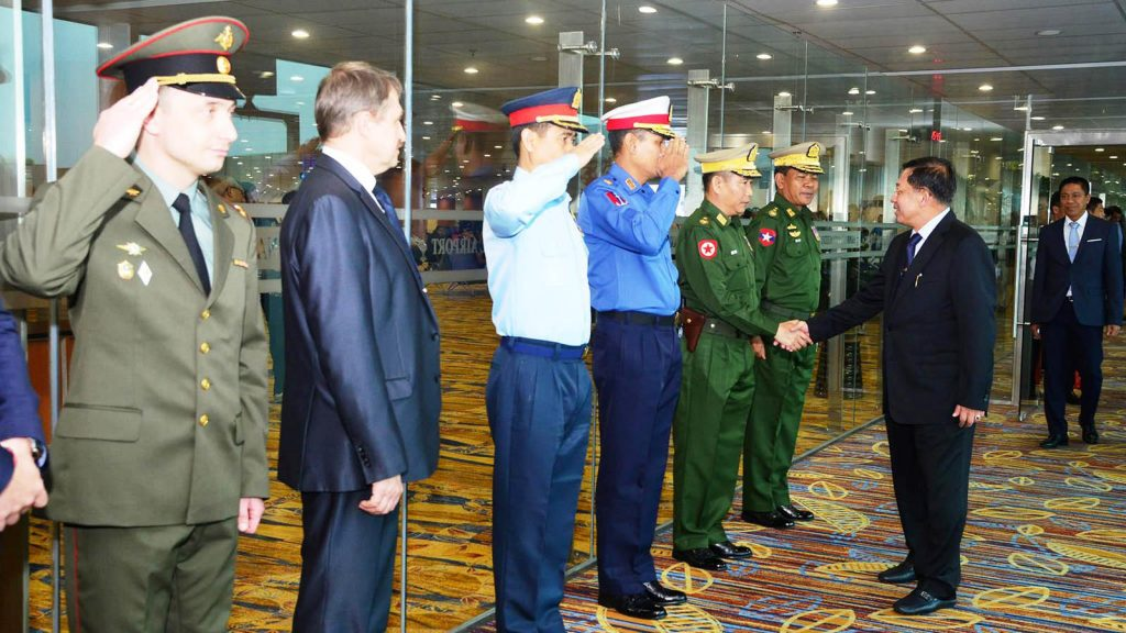 Senior General Min Aung Hlaing being welcomed back by officials at Yangon International Airport.Photo: Office of the Commander-in-Chief of defence Services