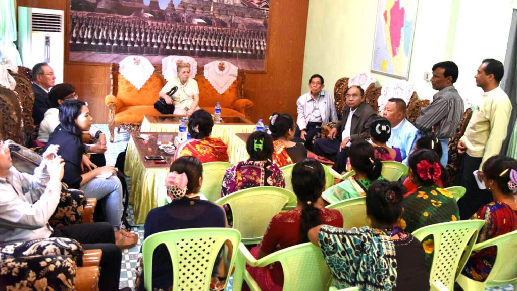 Ambassador Mrs. Rosario Manalo meets with local people in Maungtaw, Rakhine State yesterday.