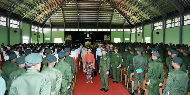 Senior General Min Aung Hlaing cordially greets Tatmadaw members and their families at Kalaw station, Shan State.Photo: Office of the Commander-In-Chief
