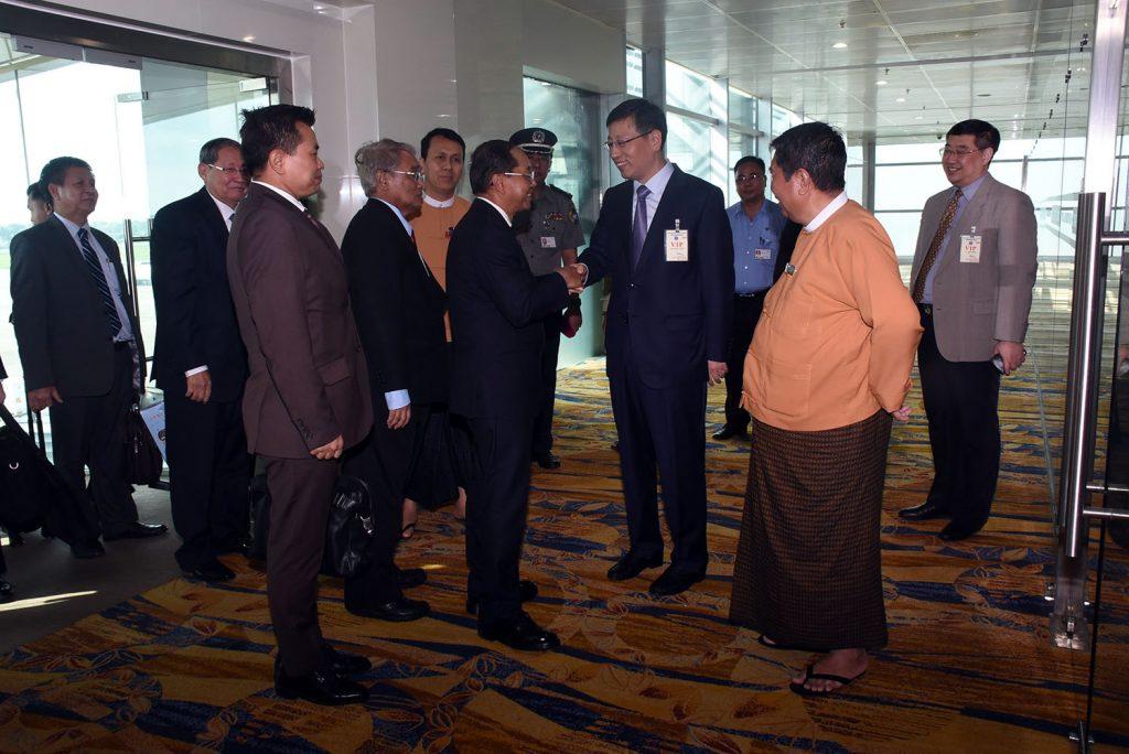 Vice President U Myint Swe welcomed by Chinese Ambassador Mr. Hong Liang at Yangon International Airport yesterday.Photo: MNA