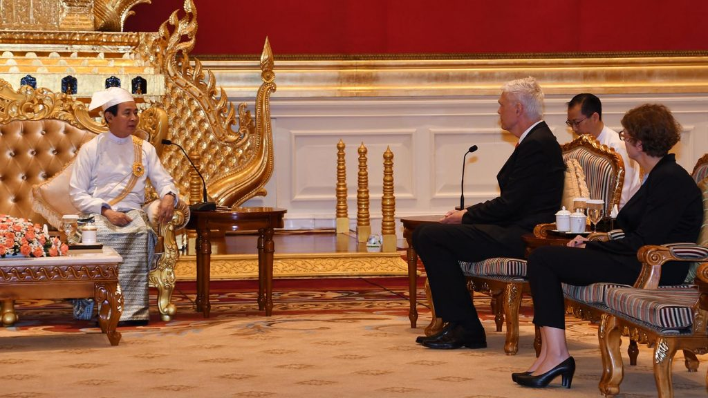 President U Win Myint welcomes Mr. John Nielsen, Ambassador of the Kingdom of Denmark, at the Presidential Palace in Nay Pyi Taw yesterday.Photo: MNA