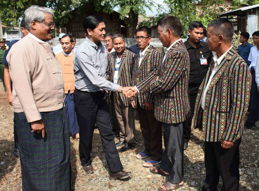 Vice President U Henry Van Thio greets with local people in Khampat, Tamu District, Sagaing Region, on 28th September.Photo: MNA