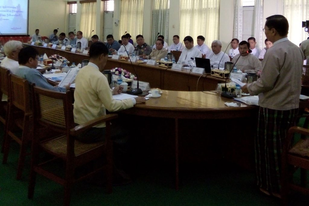 Union Minister Thura U Aung Ko addresses the coordination meeting for holding Interfaith Dialogue in Yangon yesterday.Photo: MNA
