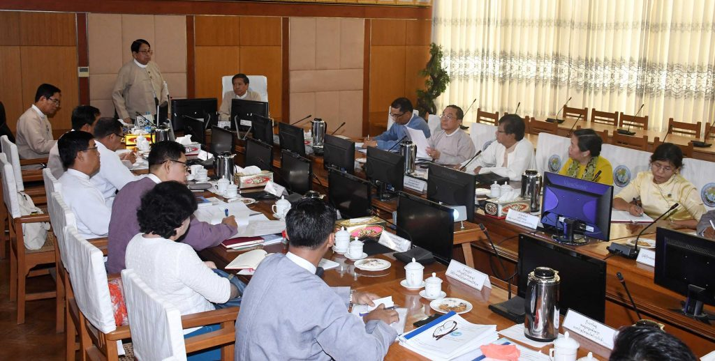 Union Minister Dr. Pe Myint delivers the speech at the coordiantion meeting yesterday. Photo: MNA
