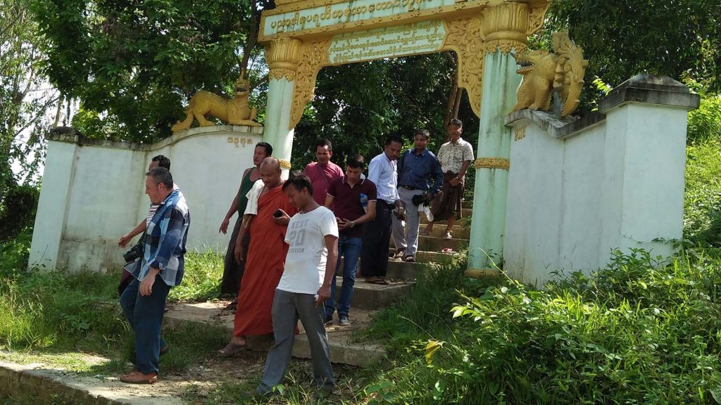 Mr Heizman Richard Charies and group visiting a monastery in Taung Pyo Letwe town yesterday.Photo: Taung pyo IPRD