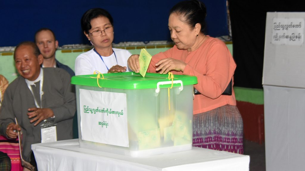 First Lady Daw Cho Cho cast their votes in the By-Elections for a vacant seat for Pyithu Hluttaw at the polling station-3 in Pyithu Hluttaw constituency in Tamway Township. Photo: MNA
