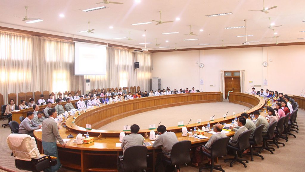 Union Election Commission Chairman U Hla Thein meeting with trainees of NEI civil service organization at the UEC Office in Nay Pyi Taw yesterday.Photo: MNA