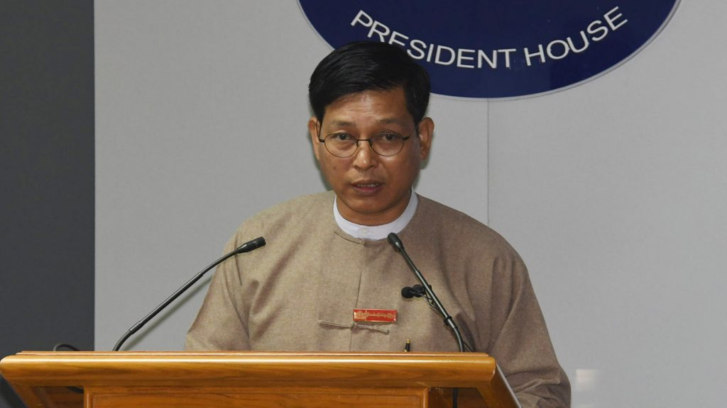 Director-General U Zaw Htay speaks to journalists in the Presidential Palace in Nay Pyi Taw yesterday.Photo: MNA