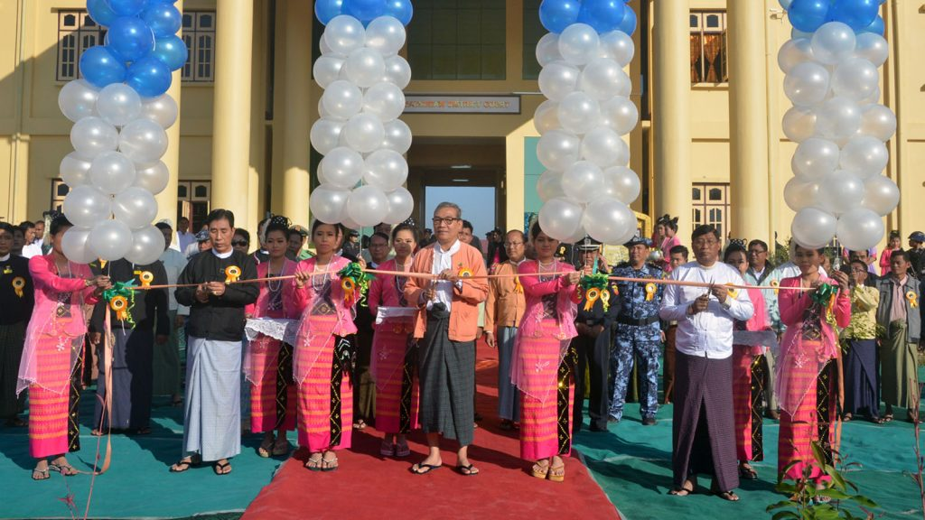 Rakhine State Chief Minister U Nyi Pu formally opens the new district court in Maungtaw Township yesterday. PHOTO: THET LWIN SOE