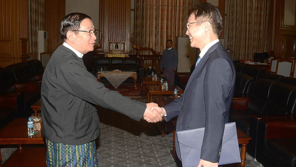 Pyithu Hluttaw Speaker U T Khun Myat shakes hands with ROK Ambassador Mr. Lee Sang-hwa in Nay Pyi Taw.  Photo: MNA