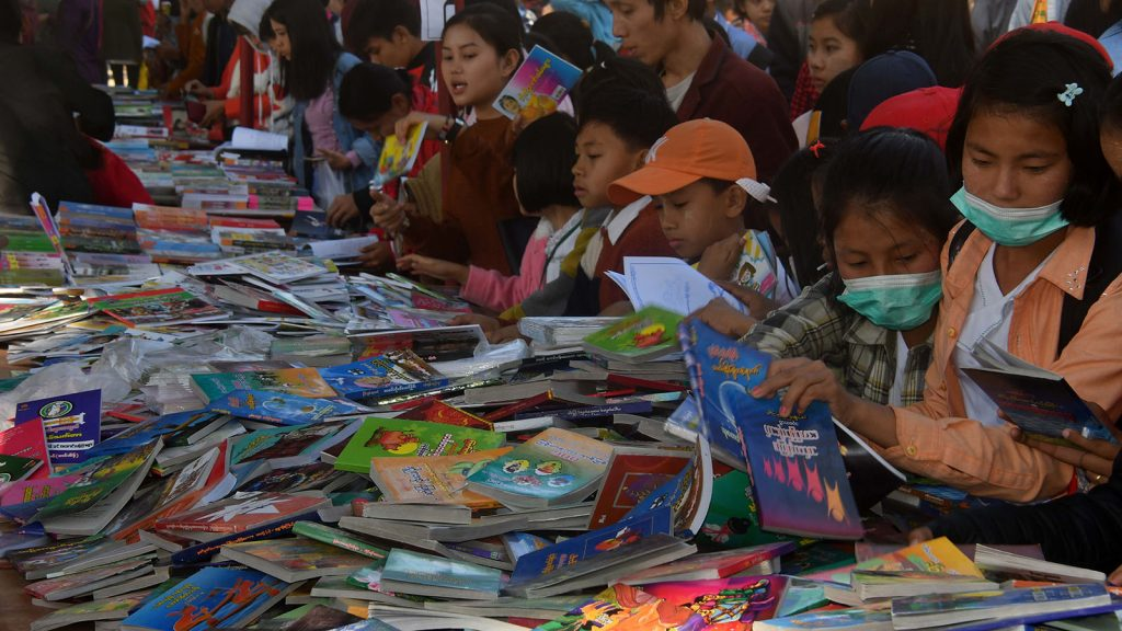 Book stalls attract students at the Children's Literature Festival in Myitkyina on the final day.