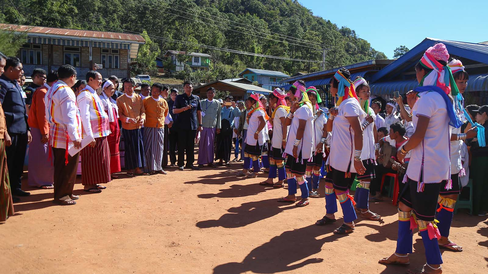 President U Win Myint and First Lady Daw Cho Cho are welcomed by Kayah ethnic dance troupe at the 67th Anniversary of Kayah State Day ceremony in Loikaw.Photo: MNA