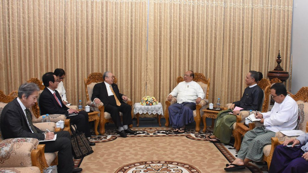 Union Minister U Thaung Tun holds talks with Japan – Myanmar Association Chairman Mr. Hideo Watanabe in Nay Pyi Taw yesterday.Photo: MNA
