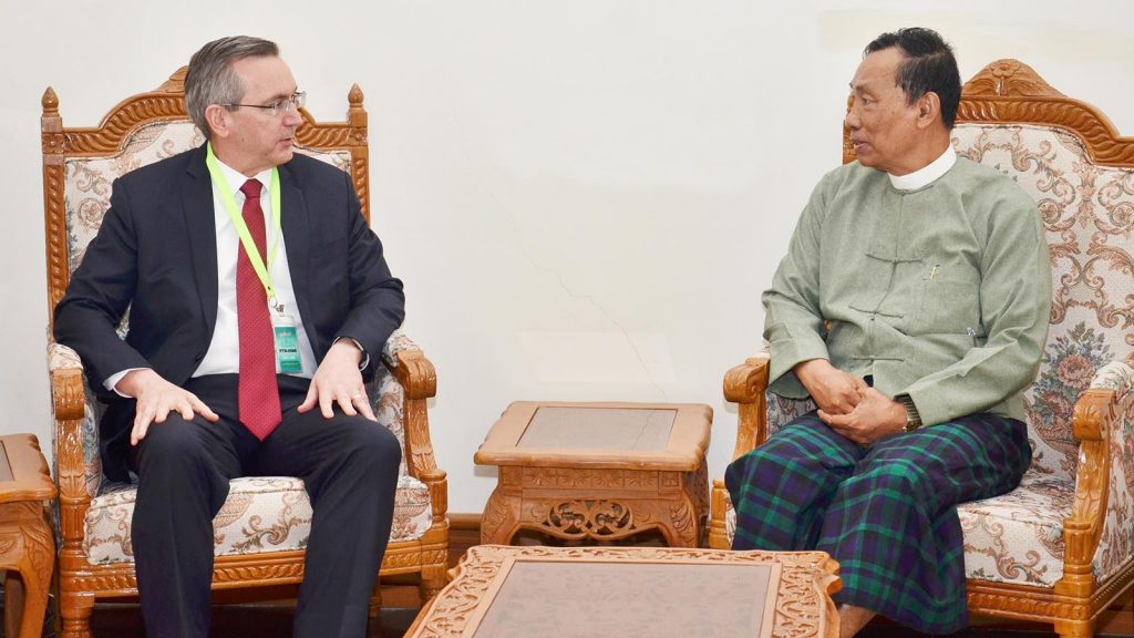 Thura U Shwe Mann holds a meeting with US Ambassador to Myanmar Mr. Scot Marciel in Nay Pyi Taw yesterday. photo: mna