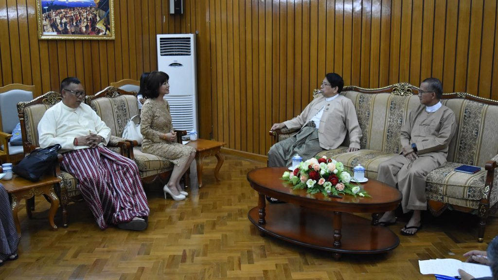 Union Ministers Dr. Pe Myint and U Ohn Maung hold talks with JBJ Entertainment Chairman Ms. Jeong Bunja and  academy Zinyaw Maung Maung and representatives in Nay Pyi Taw yesterday.Photo: MNA