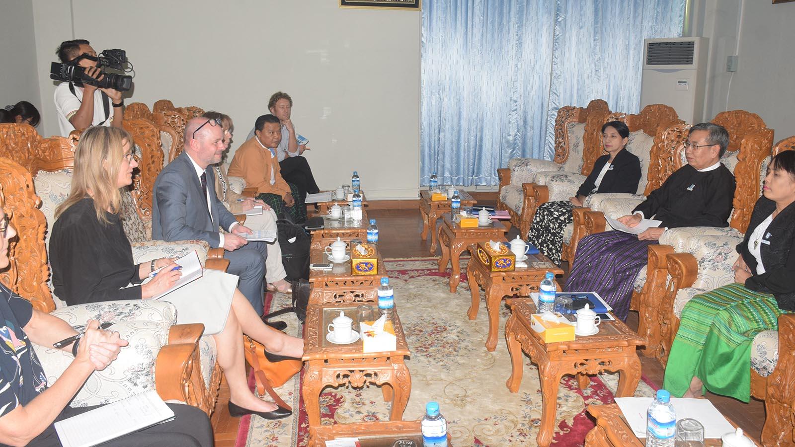 Deputy Attorney-General U Win Myint meets with Mr. Henrik Lange, Denmark Auditor General Office Director, in Nay Pyi Taw.Photo: MNA