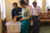 State Counsellor Daw Aung San Suu Kyi casts advance vote for Yangon municipal elections