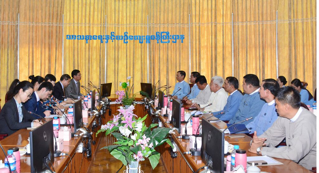 Union Minister Thura U Aung Ko holds talks with Chinese Ambassador Mr. Hong Liang at the Ministry of Religious Affairs and Culture in Nay Pyi Taw yesterday.Photo: MNA