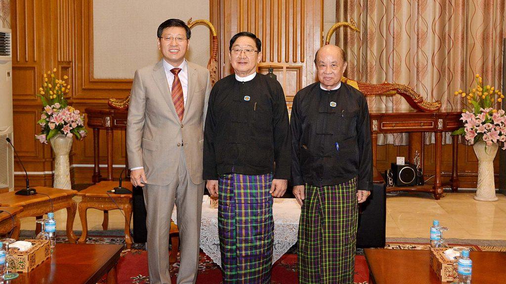 Pyithu Hluttaw Speaker U T Khun Myat (C) and Deputy Speaker U Tun Tun Hein  welcome Chinese Ambassador Mr. Hong Liang.Photo: MNA