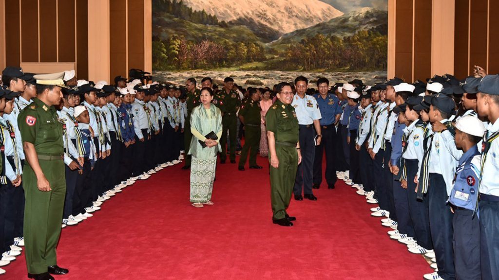 Commander-in-Chief of Defence Services Senior General Min Aung Hlaing meets with maritime and aviation youths at Zeyathiri Beikman in Nay Pyi Taw yesterday.Photo: Office of the C-IN-C of Defence Services