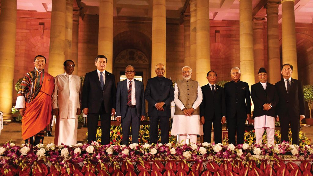 President U Win Myint (Fourth from Right) poses for documentary photo together with Indian Prime Minister Mr. Narendra Modi (Fifth from Right), Indian President Mr. Ram Nath Kovind (Sixth from Right) and leaders from regional countries. Photo: MNA
