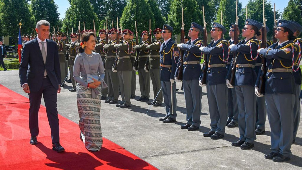State Counsellor Daw Aung San Suu Kyi, accompanied by Prime Minister Mr. Andrej Babiš, inspects the Guard of Honour in Prague, Czech Republic.Photo: MNA