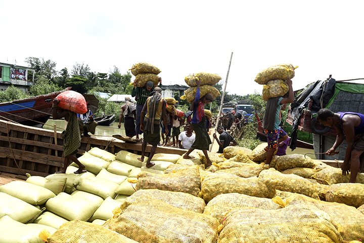 Gingers Myanmar Bangladesh border trade. Photo Hein Htet copy 1