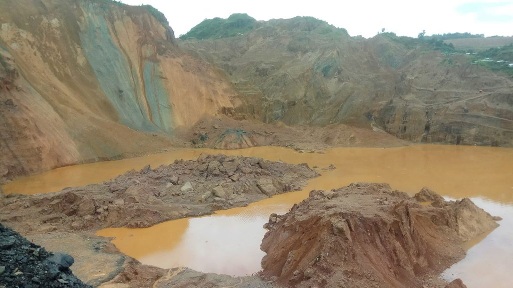 The site where deadly landslide happened at Hpakant jade mine in Kachin State on Sunday.  Photo : Tar Lin Maung (IPRD)