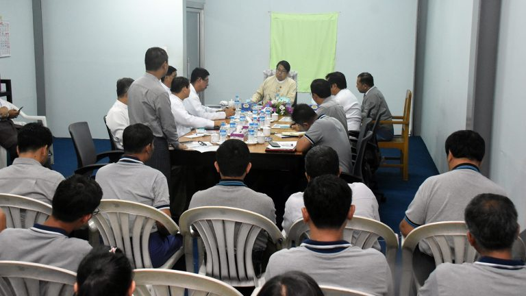 Union Minister Dr Pe Myint holds a meeting with editorial staff of the Global New Light of Myanmar in Yangon yesterday. Photo: MNA