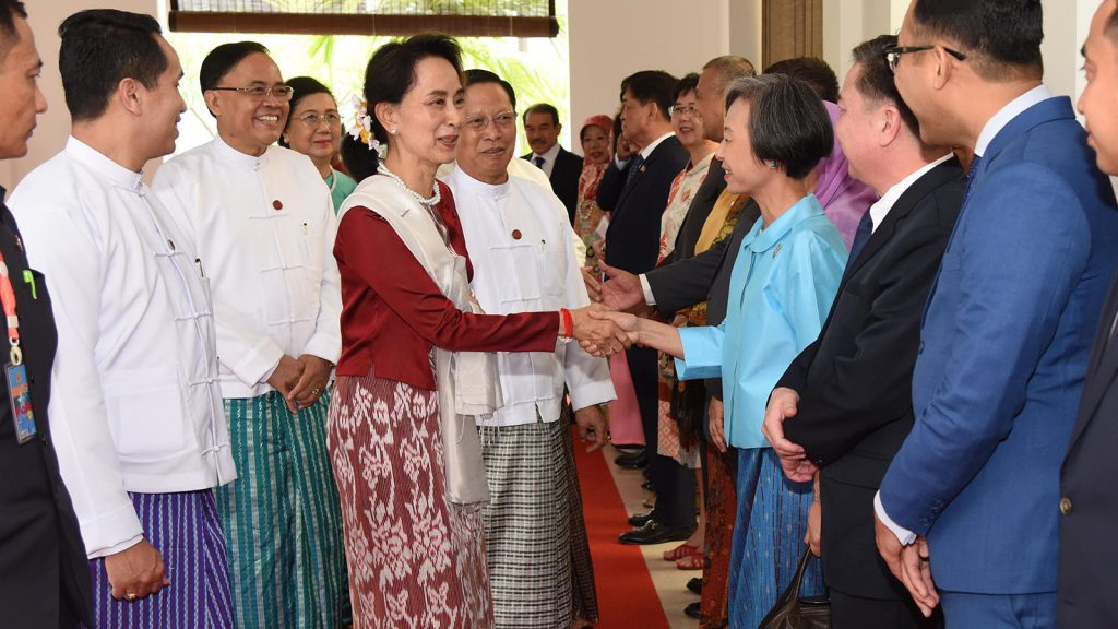 State Counsellor Daw Aung San Suu Kyi greets ASEAN Ambassadors at the ASEAN luncheon in commemoration of the 52nd anniversary of the founding of ASEAN in Nay Pyi Taw on 27 August 2019.Photo: MNA