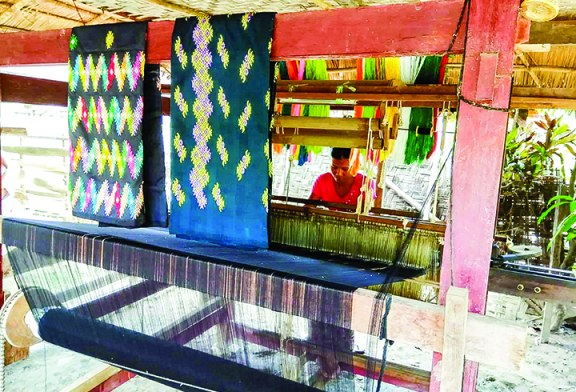 Traditionally woven cotton clothes selling well in Katha