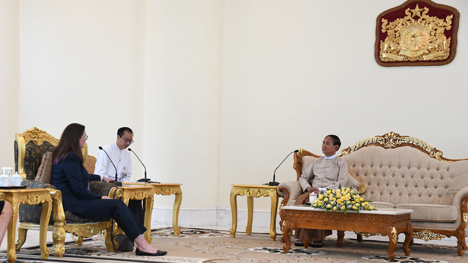 President U Win Myint meets outgoing Canadian Ambassador to Myanmar Ms Karen MacAuthur at the Presidential Palace in Nay Pyi Taw. Photo: MNA