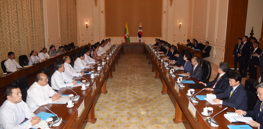 State Counsellor Daw Aung San Suu Kyi holds talks with Mr Moon Jae-in, President of the Republic of Korea, at the Diplomatic Hall of the Presidential Palace in Nay Pyi Taw yesterday.Photo: MNA