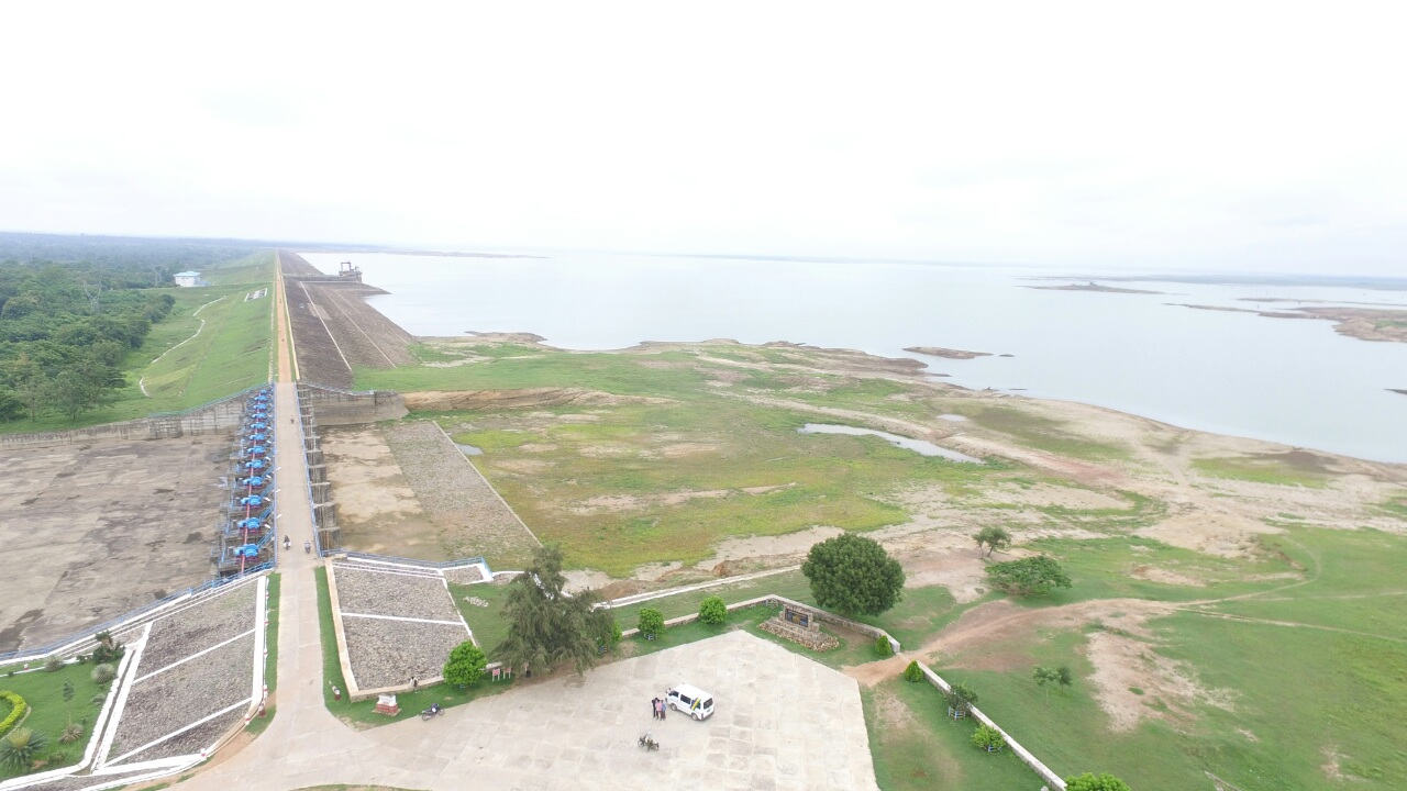 Thaphanseik Dam in Kyunhla Township, Sagaing Region, faces the lowest water levels in 18 years. Photo: Moe Thauk (Shwe Bo)
