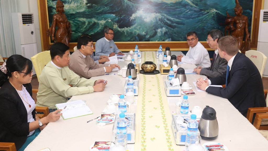 Union Minister for Social Welfares, Relief and Resettlement Dr Win Myat Aye holds talks with the delegation led by Mr Akio Nakayama Chief of Mission of the International Organization for Migration in Nay Pyi Taw yesterday.Photo: MNA