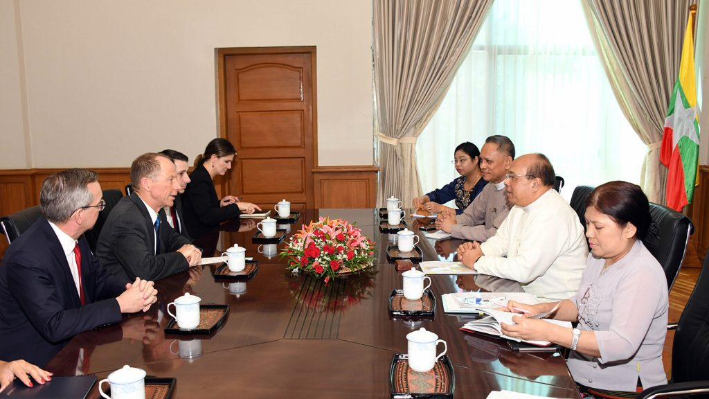 Union Minister U Thaung Tun holds talks with Mr David Stilwell, United States Assistant Secretary of State for the Bureau of East Asian and Pacific Affairs, in Nay Pyi Taw yesterday.Photo: MNA