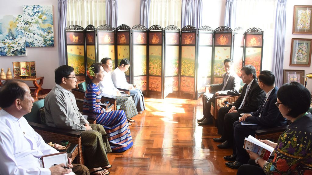 State Counsellor Daw Aung San Suu Kyi meets with Secretary-General of ASEAN Dato Lim Jock Hoi at her residence in Nay Pyi Taw on 4 October 2019.Photo: MNA
