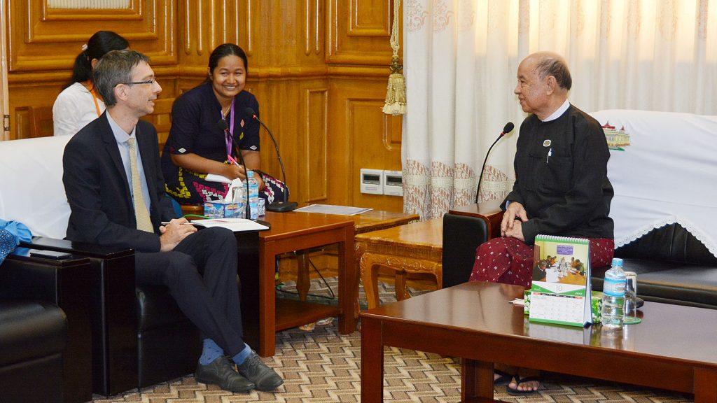Pyithu Hluttaw Deputy Speaker U Tun Tun Hein meets with Dr Renaud Egreteau, the Associate Professor of the Department of Asian and International Studies, City University of Hong Kong, in Nay Pyi Taw yesterday.Photo: MNA