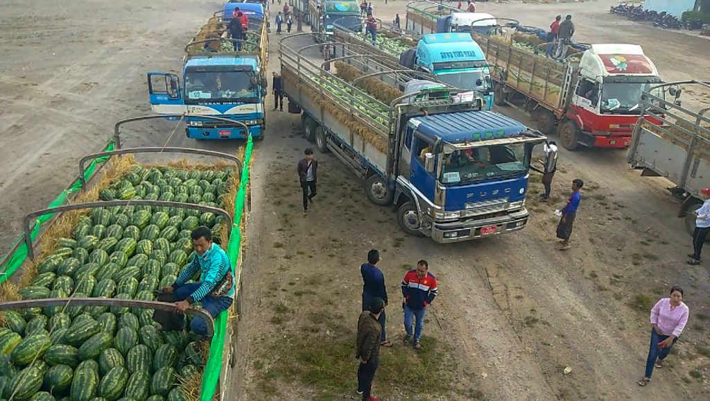 Shan watermelons sold at higher prices than Myanmar melons at the Muse 105th Mile border trade zone.Photo: Thant Zin (Muse)