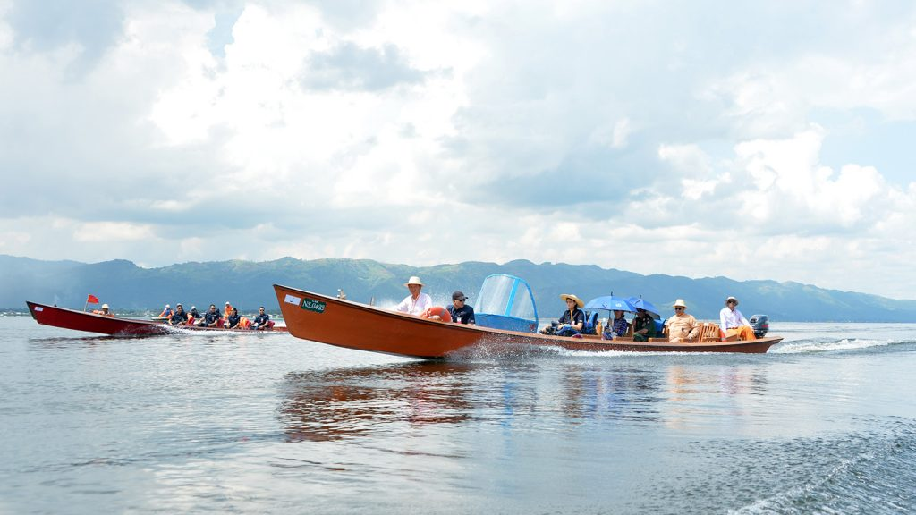 State Counsellor Daw Aung San Suu Kyi taking boat trip exploring Inle Lake yesterday.Photo: Thet Aung