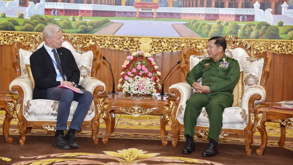Senior General Min Aung Hlaing meets with Norwegian Refugee Council Secretary General Mr Jan Egeland at Bayintnaung villa in Nay Pyi Taw yesterday.Photo: Office of the Commander-in-Chief  Of Defence Services