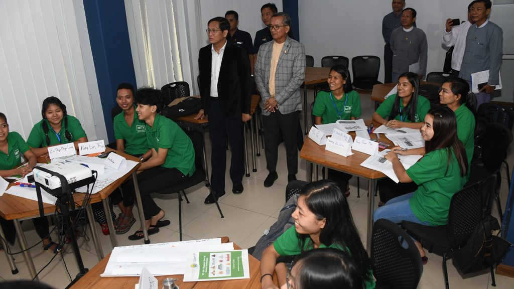 Vice President U Henry Van Thio visits the Hospitality Service and Tourism School in Yangon yesterday.  Photo: MNA