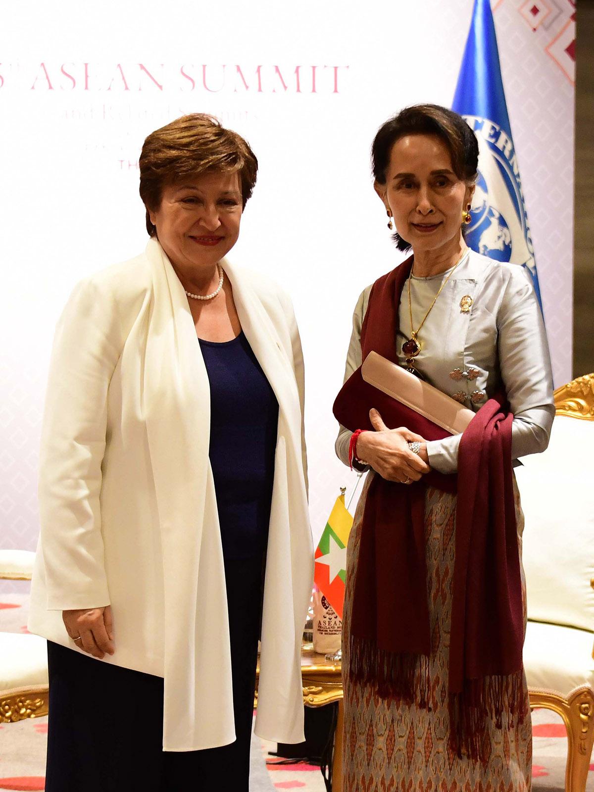 State Counsellor Daw Aung San Suu Kyi meets with Managing Director of International Monetary Fund Ms. Kristalina Georgieva.Photo: MNA